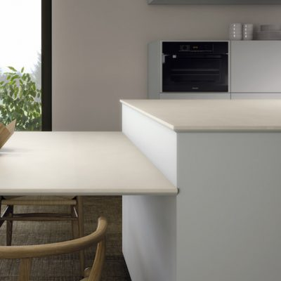 Kitchen worktop in Soft White by Ceralsio.